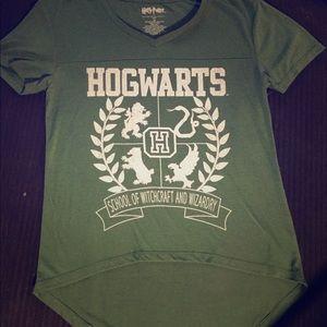 $19⬇️Harry Potter Hogwarts Tee Shirt Crop Top